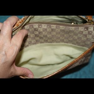 Liz Claiborne Bags - Great crossbody bag. Perfect for day trip